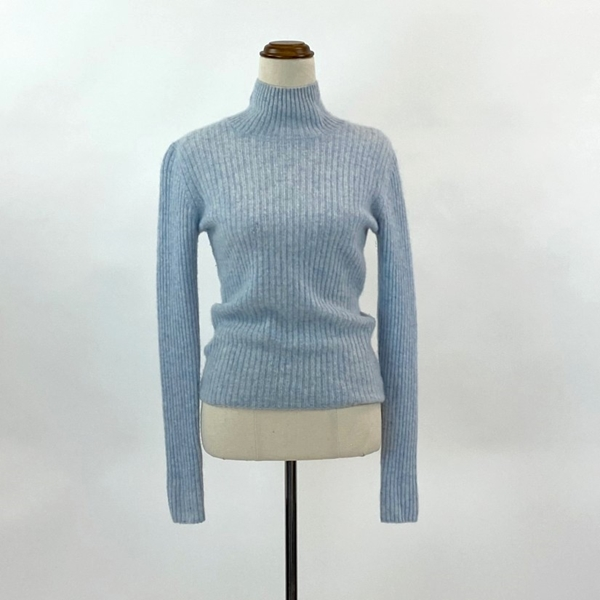 120% Cashmere turtle neck knit